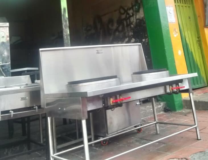 Estufas wok y tamaleras